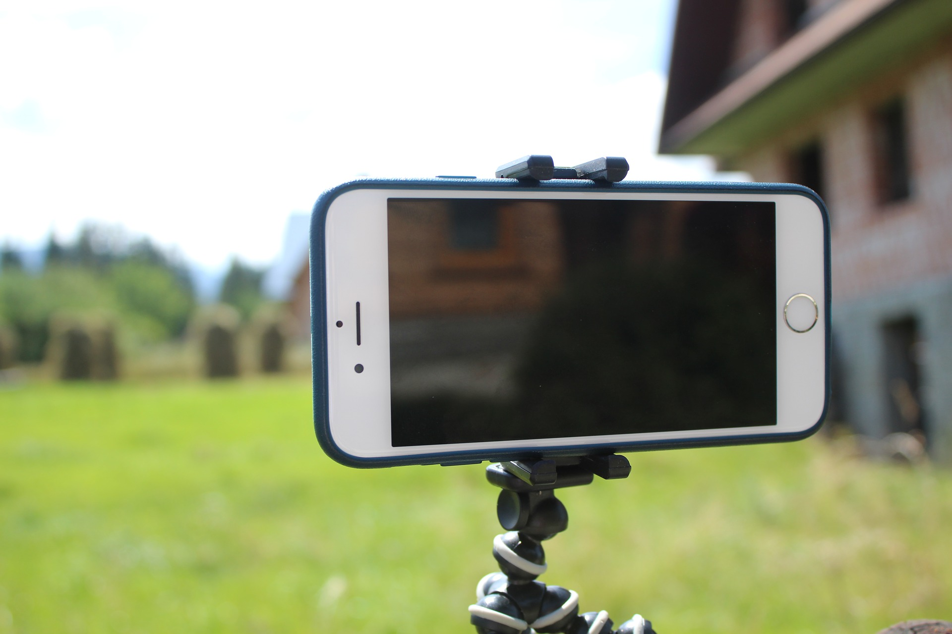 Mobile phone to create your online video courses